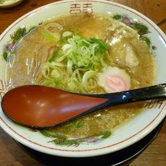 豚まるラーメン 新大宮店の写真
