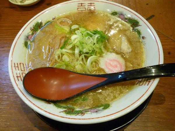 「豚まるラーメン+ギョウザ」@豚まるラーメン 新大宮店の写真