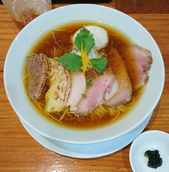 「LABO鶏そば(醤油)+生ビール」@麺LABOひろの写真