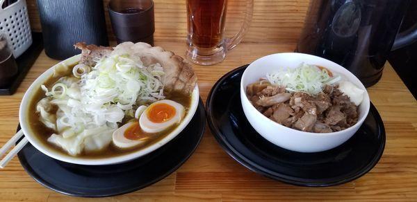 「限定 カレーワンタン麺、チャーシュー、ミニほぐし丼」@麺屋 とん嬉の写真