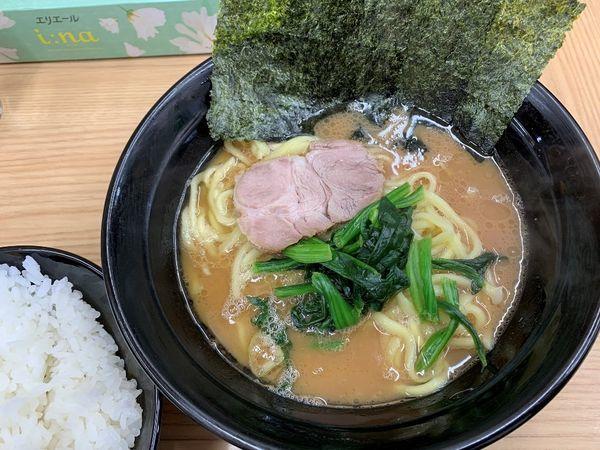 「ラーメン並+サービスライス」@横浜ラーメン 武蔵家 御茶ノ水店の写真
