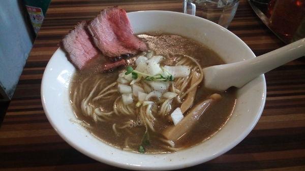 「牛骨煮干しラーメン(980円)」@RAMEN DINING JinGuの写真