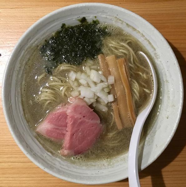 「今宵の酒(梅乃宿純米吟醸)→煮干らぁ麺→味付き替え玉生卵」@麺屋 さくら井の写真