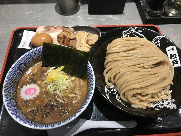 「濃厚つけ麺(大)柏幻霜ポーク全部のせ」@松戸富田麺絆の写真