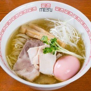 「鶏薫る醤油ラーメン」@noodle kitchen 六九麺の写真