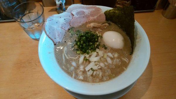 「味玉濃厚牡蠣煮干そば 牡蠣ニボ¥1000-」@麺屋 まほろ芭の写真