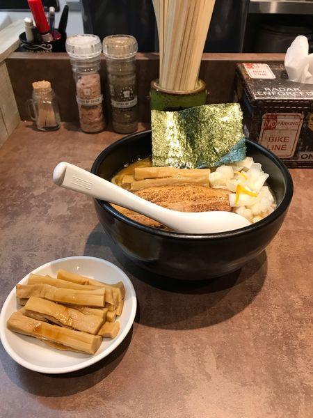 「濃厚豚骨魚介らーめん」@NOODLE SOUNDSの写真