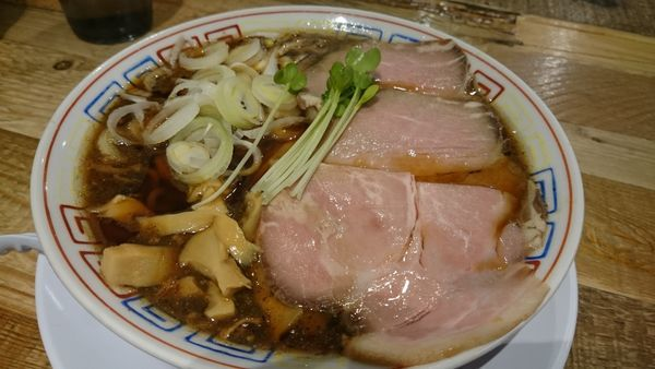「サバ醤油そば(750円)」@サバ6製麺所 成城学園前店の写真