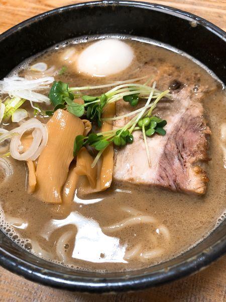 「ラーメン(太麺)¥770+味玉 ¥100」@ラーメン ひかりの写真