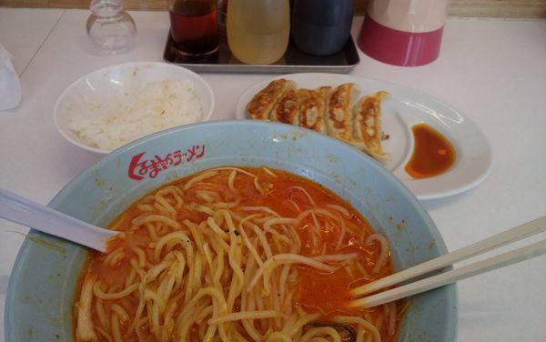 「ネギ味噌+無料餃子+無料半ライス」@くるまやラーメン 鹿沼店の写真