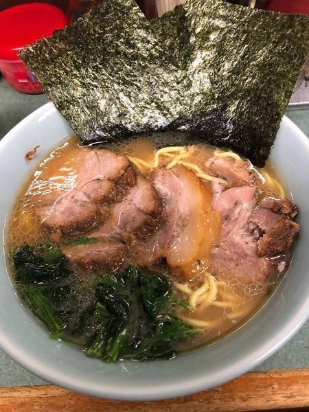 「チャーシュー麺中盛900円、硬め濃いめ」@つくし亭 大津店の写真