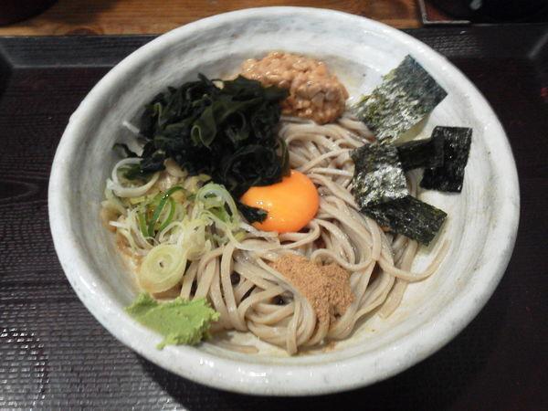 「納豆そば 500円」@蕎麦 冷麦 嵯峨谷 池袋店の写真
