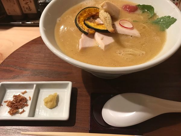 「鶏白湯醤油SOBA(1,000円)」@銀座 篝 本店の写真