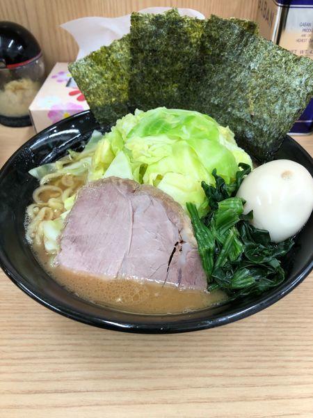 「ラーメン キャベチャー、煮卵追加」@横浜ラーメン 武蔵家 御茶ノ水店の写真