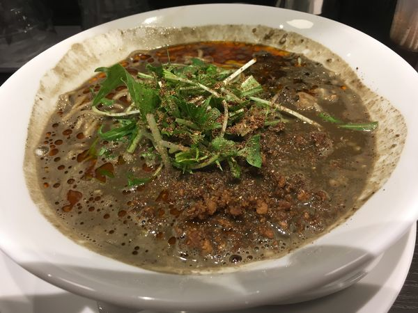 「黒胡麻担々麺」@四川担担麺 阿吽 キッテグランシェ店の写真