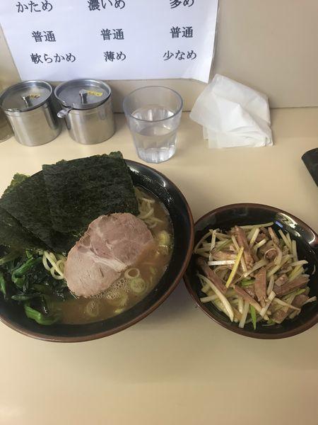 「ラーメン 中盛」@横浜ラーメン 武蔵家 千葉店の写真