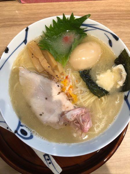 「鯛白湯ラーメン 塩味 味玉」@麺や 空月の写真