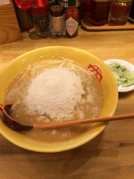 「元祖究(まるきゅう)チーズラーメン930円」@九十九とんこつラーメン 恵比寿本店の写真