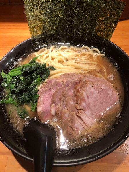 「チャーシュー麺大盛900円、硬め濃いめ」@絶の味の写真