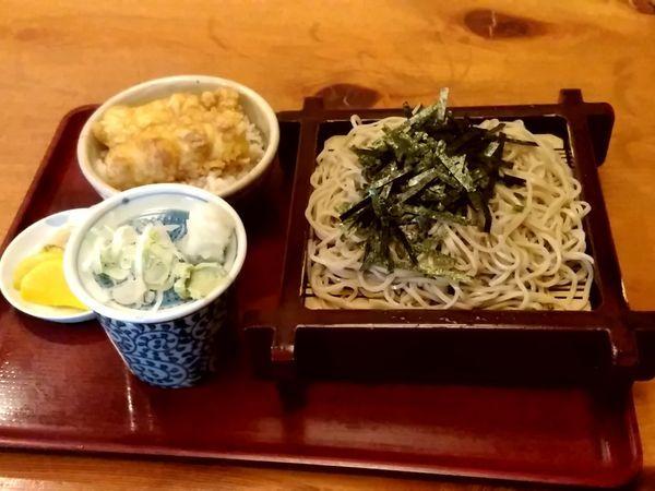 「松田スペシャル(ザルそば+ちくわミニ天丼)900円」@そば処 きのえねの写真