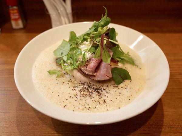 「鶏とほたて 柚子エスプーマ…850円」@コトノハの写真