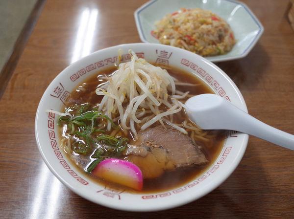 「ラーメン、半焼飯セット(原文ママ)…900円」@浅屋の写真
