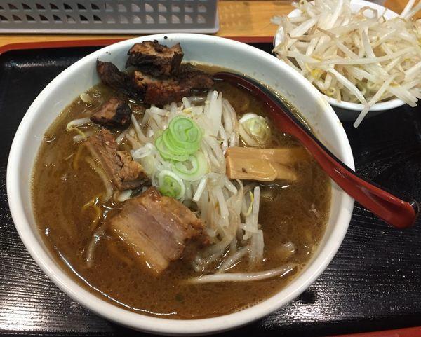 「醤油ラーメン850円」@味噌麺処 楓の写真