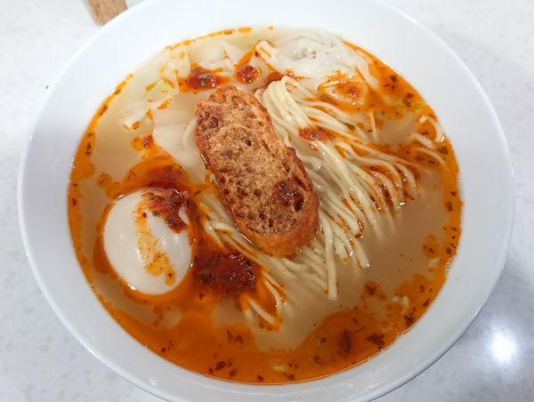 「【5周年記念】ヒュメ・ド・ポワソン塩らぁ麺+味玉」@ラーメン星印の写真