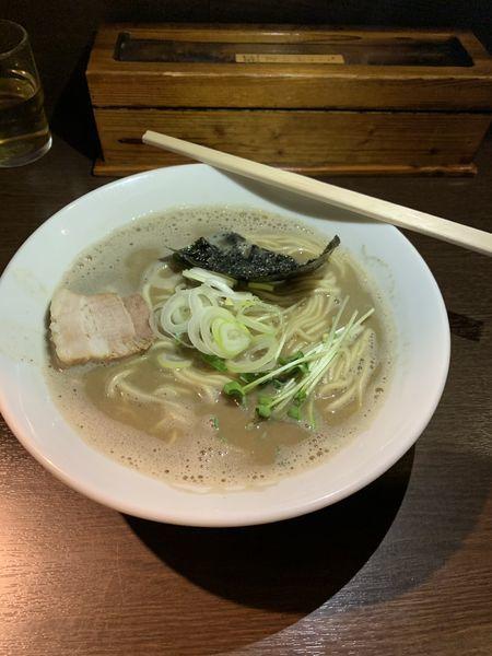 「濃厚煮干しそば」@麺処 遊 蕨店の写真