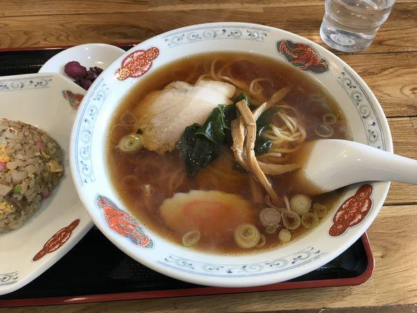 「ラーメン(しょうゆ)+ランチ半チャーハン」@ラーメンハウス 香雅の写真