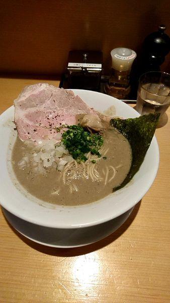 「濃厚牡蠣煮干中華そば 牡蠣ニボ¥900 和え玉¥180」@麺屋 まほろ芭の写真