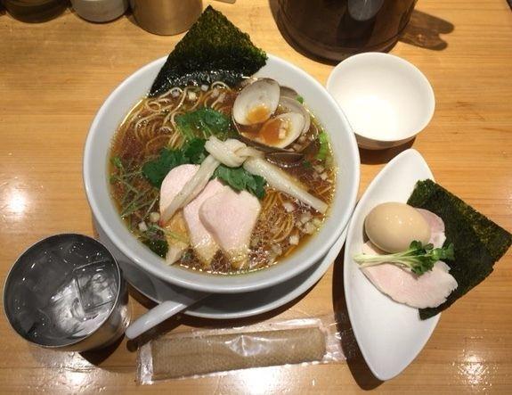 「蛤そば」@Ginza Noodles むぎとオリーブの写真