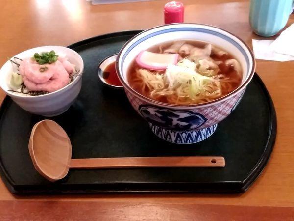 「ランチ鶏からラーメンセット969円」@源氏家族 田口店の写真