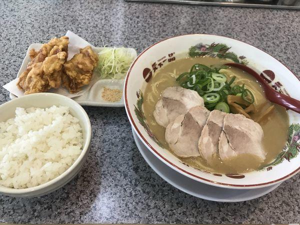 「こってり大 唐揚げ定食」@天下一品 茨木けいさつ前店の写真