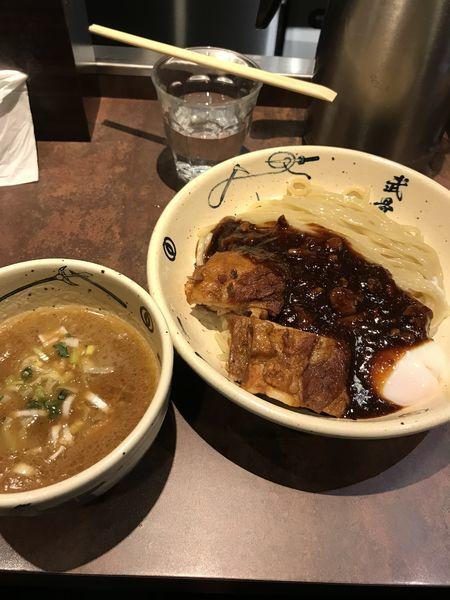 「外伝濃厚つけ麺 黒 中盛り」@麺屋武蔵 武骨外伝の写真