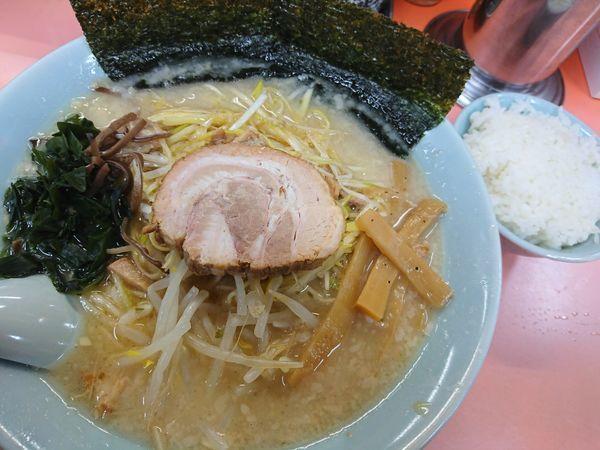 「ネギラーメン(醤油)+半ライス」@ラーメンショップ 東大室店の写真