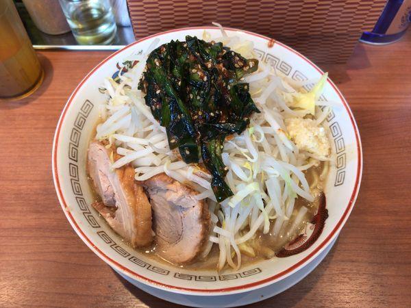 「小ラーメン(750円)+辛ニラ(100円)」@ラーメン豚山の写真