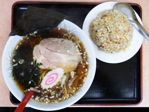 「ラーメン、焼飯半チャーハン」@中華 タンタンメン 隆翔の写真