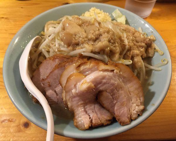「豚増しラーメン(麺増しニンニクアブラ)」@ラーメン慶次郎 本店の写真