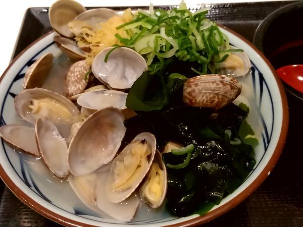 「あさりうどん(並盛)590円」@丸亀製麺 イーサイト高崎店の写真