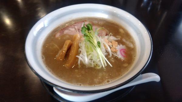 「濃厚魚介らーめん」@らーめんつけ麺 吉田商店 本店の写真