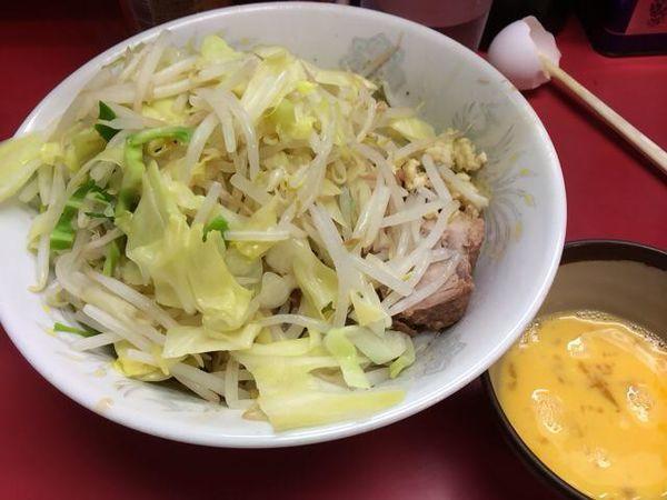 「汁なし豚5枚+生卵」@ラーメン二郎 環七一之江店の写真