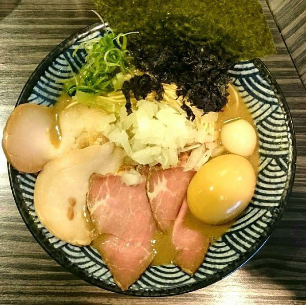 「特製重濃煮干そば トリュフの和え玉」@志奈そば 田なかの写真