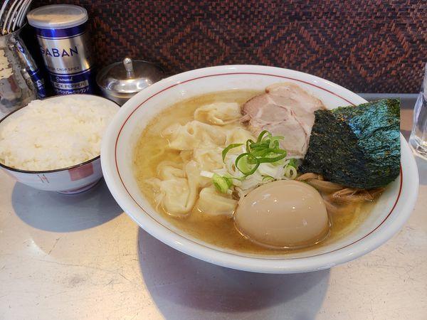 「潮そば、海老ワンタン、味玉、小ライス」@麺匠 呉屋の写真