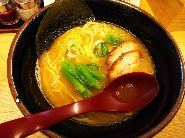 「豚骨醤油ラーメン」@麺屋 達の写真