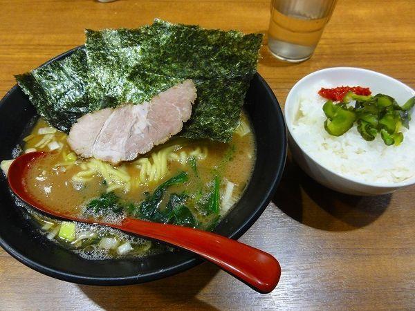 「ラーメン650円 麺硬め ライス」@麺家 黒の写真