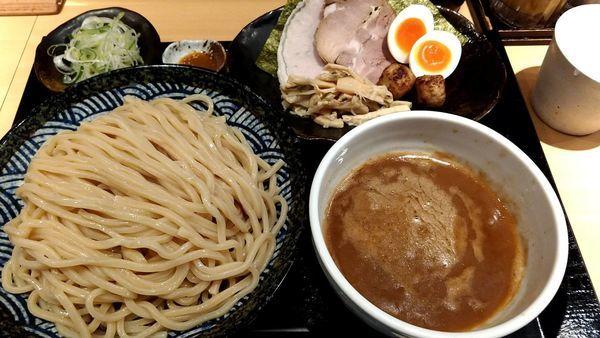 「特製つけ麺(中盛り)」@つけ麺 道の写真