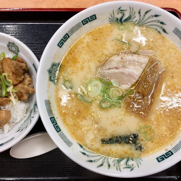 「とんこつラーメン+やきとり丼セット¥660」@日高屋 キュービックプラザ新横浜店の写真