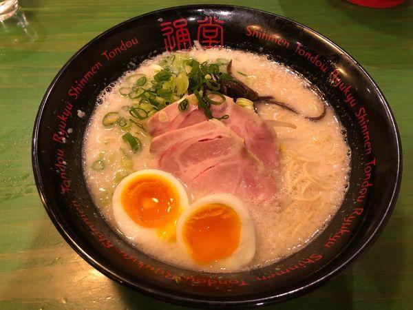 「通堂ラーメン おとこ味 + 塩昆布玉子」@琉球新麺 通堂の写真
