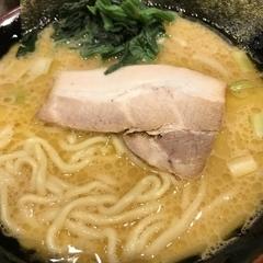 横浜家系ラーメン ぎん家 名古屋駅西口店の写真